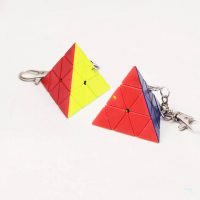 кубик треугольник брелок