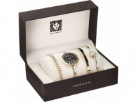Женские часы в фирменной коробке