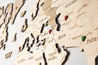 Карта Мира деревянная белая  одноуровневая 130х78